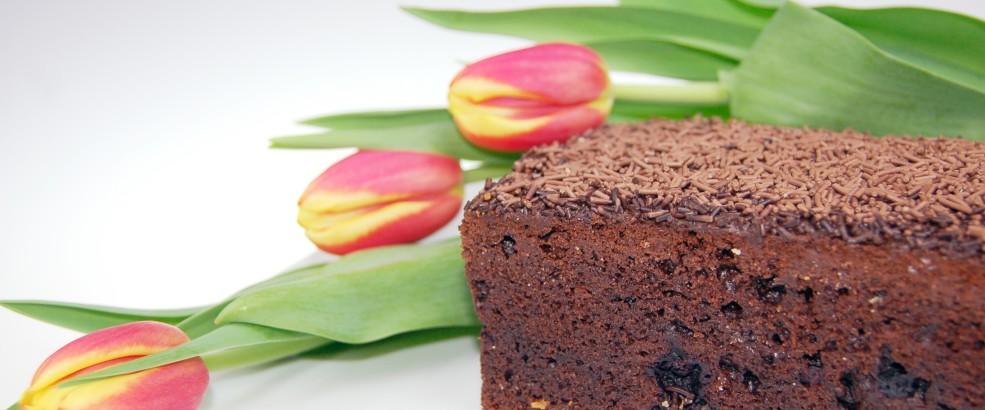 murzynek poznań, ciasto czekoladowe poznań, murzynek z porzeczkami poznań